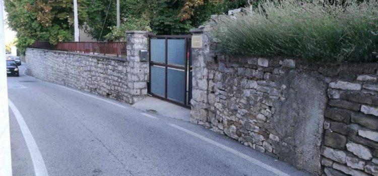 Viabilità: Pd Trieste, per i bimbi accesso pericoloso all'asilo di Longera